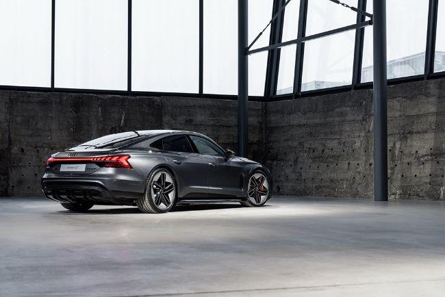 Audi-e-Tron-GT-2022-5
