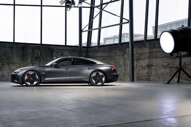 Audi-e-Tron-GT-2022-6