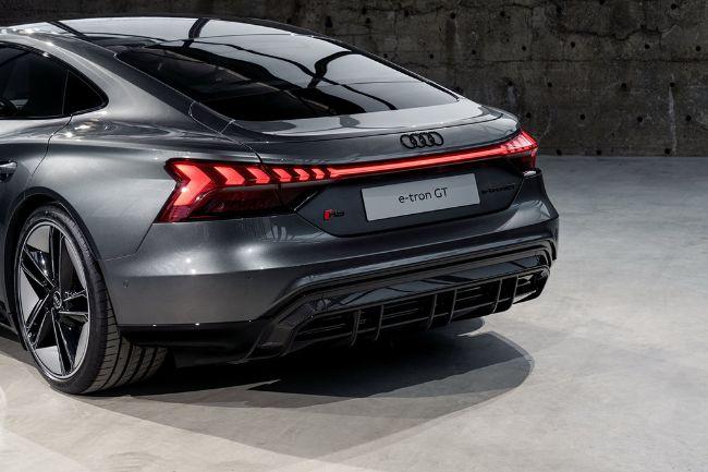 Audi-e-Tron-GT-2022-7