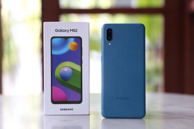 Samsung Galaxy M02, Harga Sejutaan Baterai Besar