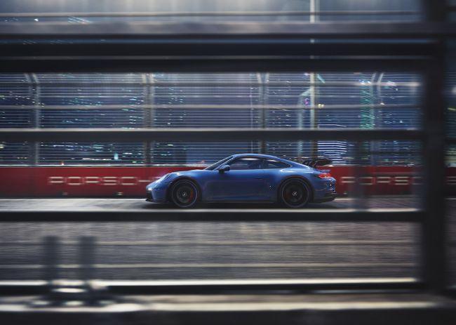 2022-Porsche-911-GT3-992-3