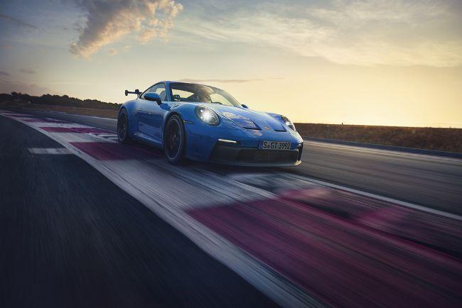 2022-Porsche-911-GT3-992-4