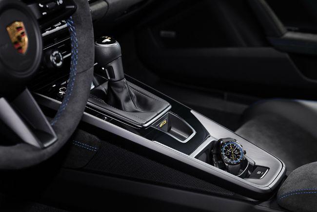 2022-Porsche-911-GT3-992-7