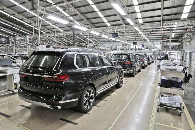 BMW-X7-CKD_Pabrik-1