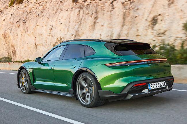Porsche-Taycan-Cross-Turismo-2022-3