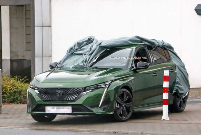 Peugeot 308 Generasi Terbaru Kepergok Tanpa Selubung, Keren Banget!