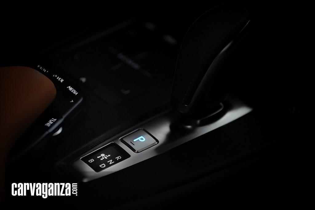 Test-Drive-Lexus-UX-300e-2021-5