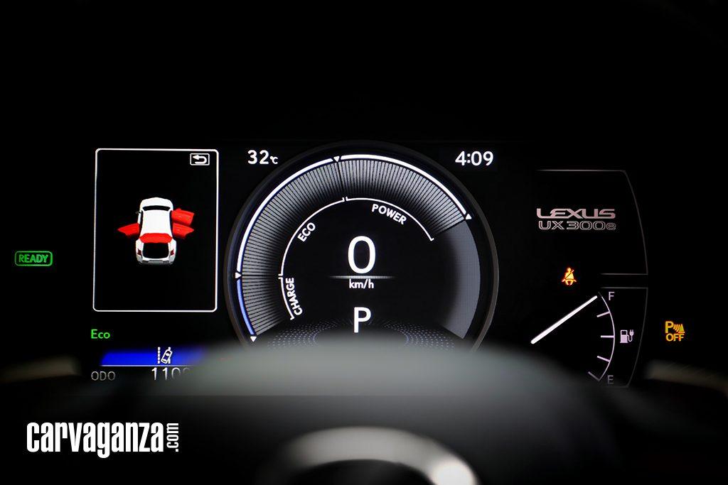Test-Drive-Lexus-UX-300e-2021-7