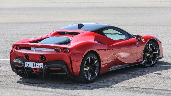 Ferrari SF80 Stradale