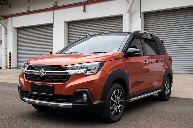 Kenali Fitur Pintar E-Mirror Suzuki XL7, Bisa Melihat ke Depan dan Belakang