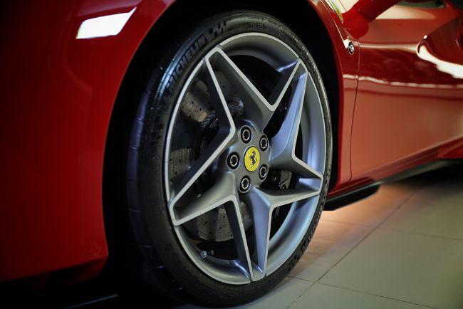 Ferrari-F8-Spider-2021-4