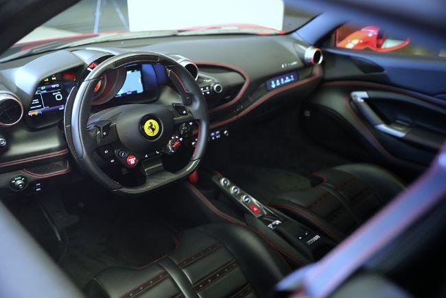 Ferrari-F8-Spider-2021-7