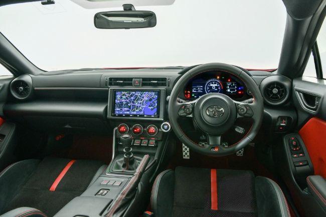 Toyota-GR-86-2021-6