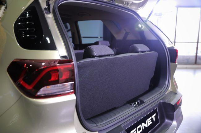 Kia-Sonet-7-Seater-2021-9