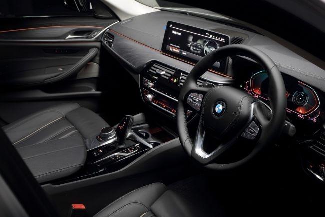 BMW-Seri-5-2021-Facelift-9
