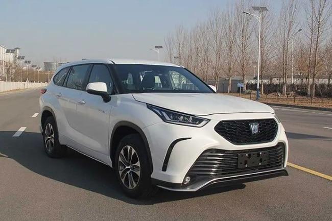 Toyota Crown Kluger, Kembaran Highlander Dari Cina