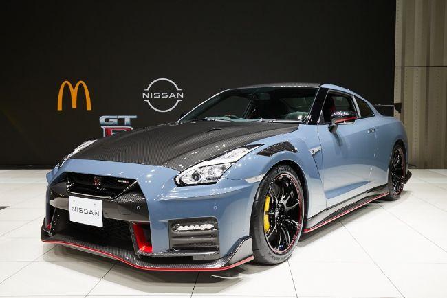 Nissan-GT-R-McDonalds-6