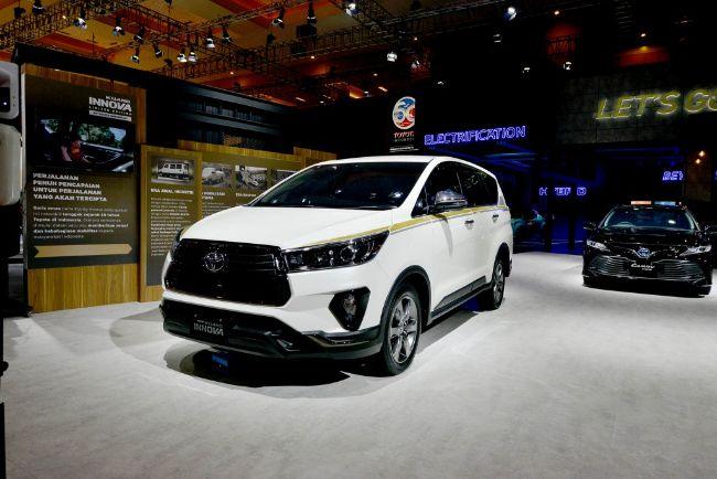 Toyota-Kijang-Innova-50th-Anniversary-Edition-IIMS-2021