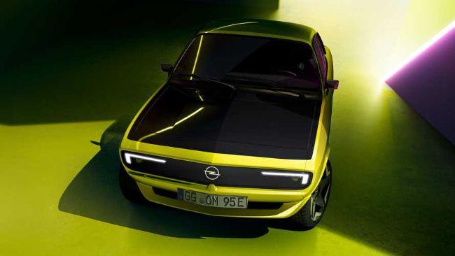Opel Manta GSe, Mobil Listrik dengan Grille yang Bisa Tampilkan Pesan dan Gambar
