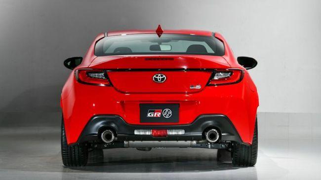 Toyota GR 86 vs Subaru BRZ