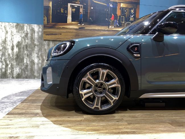 New-MINI-Countryman-2021-4