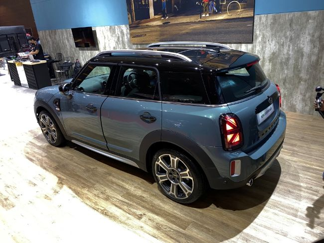New-MINI-Countryman-2021-1