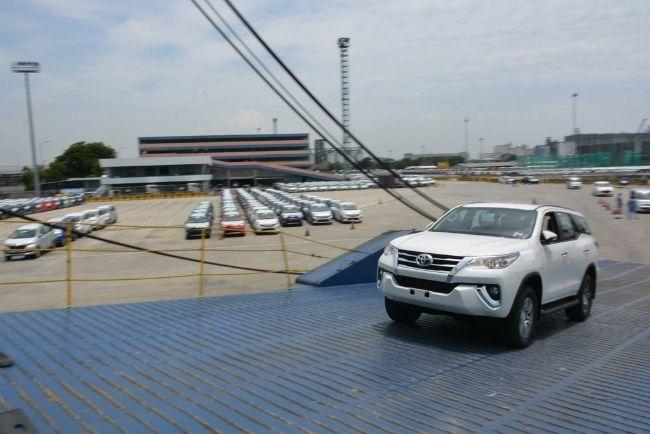ekspor mobil Toyota Indonesia