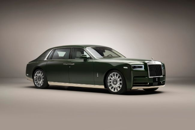 Rolls-Royce-Phantom-Oribe-in-collaboration-with-Hermès-front-3-4_LoRes
