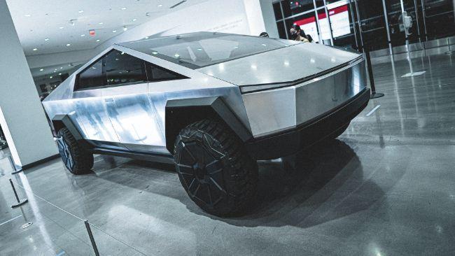 Dijual Tak Sampai Rp 2 Miliar, Ini Lima Alasan Untuk Membeli Tesla Cybertruck