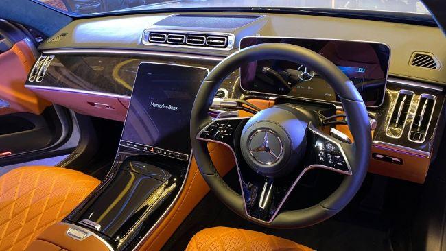 Mercedes-Benz-S450-4Matic-Luxury-2021-S-Class-3