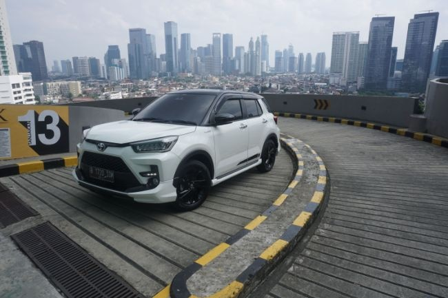 Toyota Raize 1.0T GR Sport