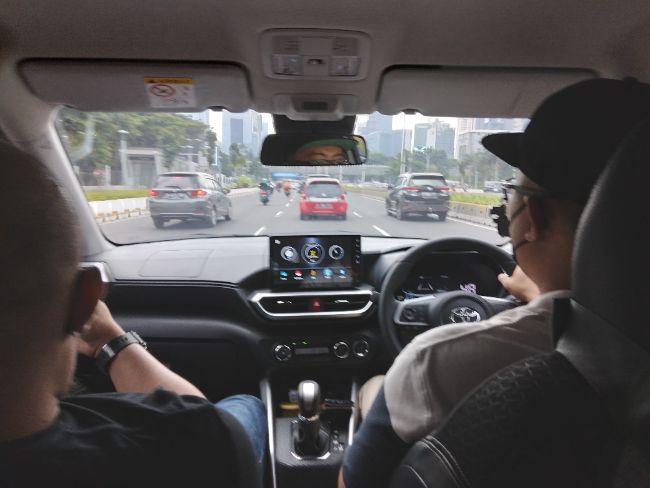 Test drive Toyota Raize 1.0T