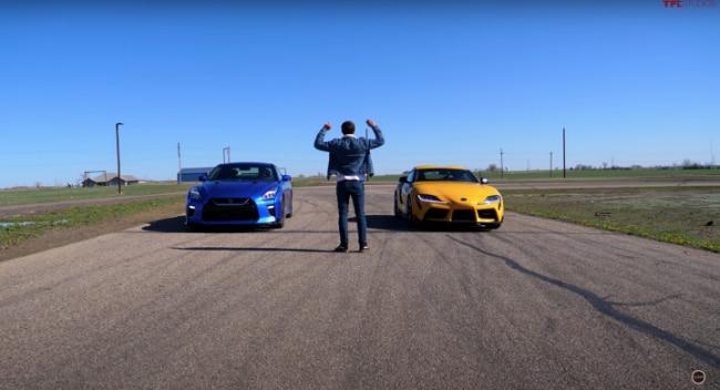 Toyota Supra vs Nissan GT-R Drag Race