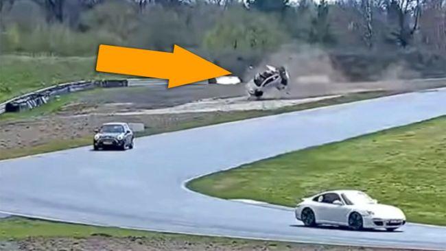 Toyota GR Yaris Selamatkan Pengemudinya dari Kecelakaan fatal di Sirkuit