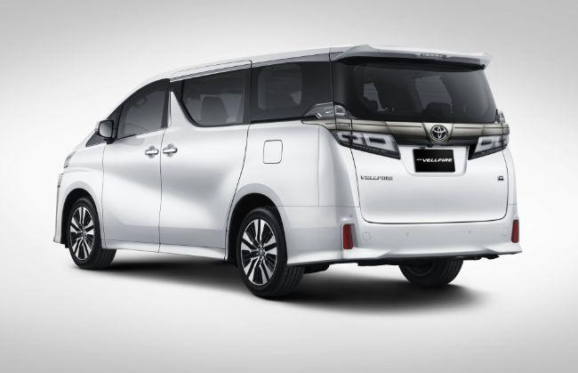 New-Toyota-Vellfire-2021-4