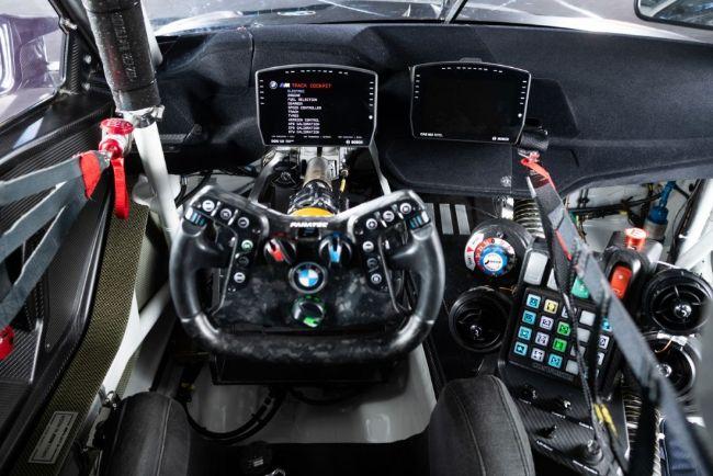 BMW-M4-GT3-2021-6