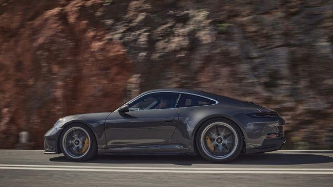 2022-Porsche-911-GT3-Touring-5