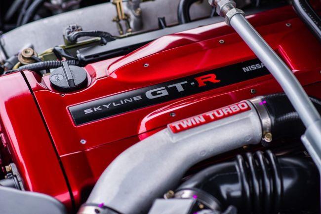 Nissan-Skyline-GT-R-V-Spec-Midnight-Purple-II-2