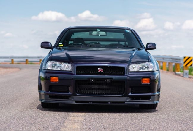 Nissan-Skyline-GT-R-V-Spec-Midnight-Purple-II-10