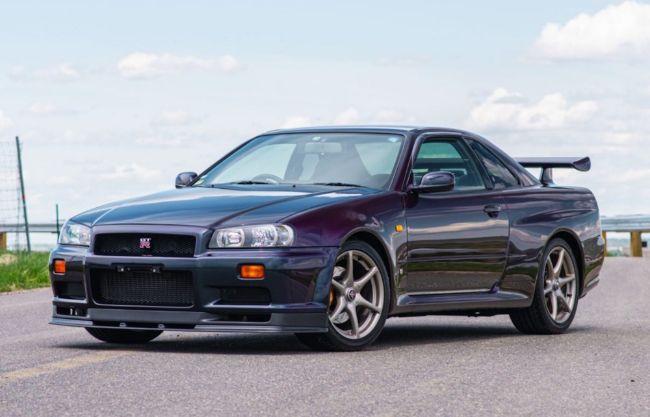 Nissan-Skyline-GT-R-V-Spec-Midnight-Purple-II-11