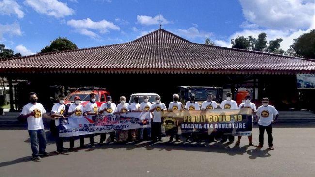 Komunitas Offroader Alumni UGM Bakti Sosial Sebar Donasi di Banyumas
