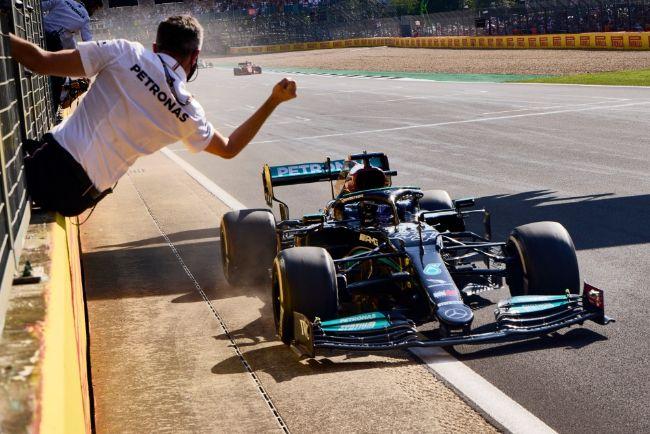 F1: Verstappen Out di Lap Pertama, Hamilton Rebut Kemenangan GP Inggris 2021 dari Leclerc