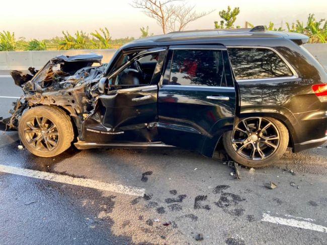 Ringsek, Ini Dia Harga dan Spesifikasi Jeep Grand Cherokee Milik Bos Garansindo yang Kecelakaan