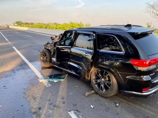 Kecelakaan-Jeep-Grand-Cherokee-1